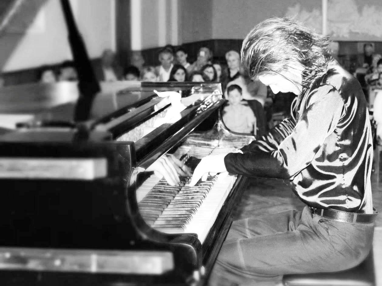 ნიჭიერი ფოთელი მუსიკოსი ბაქოს კონკურსზე